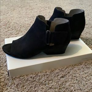 Naturalizer ankle booties